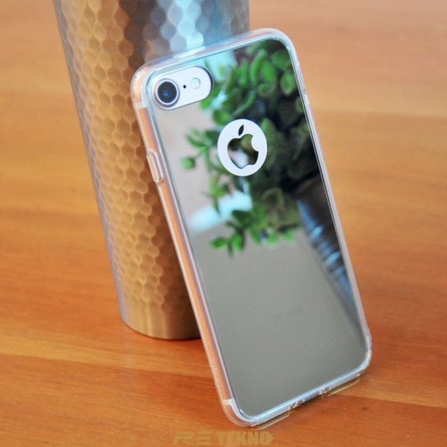 iPhone 8 gri ve siyah ayna